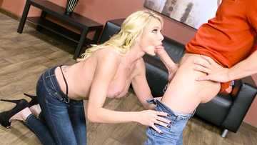 Briana Banks accidentally gives titjob to a friend of her son in the store