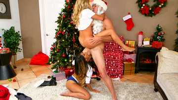 Alexis Fawx getting nailed by santa's dick in the air while Sophia Leone licking balls