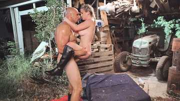 Sweet chick Kara Lee is fucked by big guy in the barn instead of Halloween party