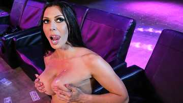 Stripper Rachel Starr seduces bachelor Small Hands for crazy sex in the club